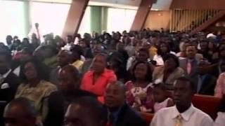 Pastor Maxime Pape Vivre dans L'Esperance 2 3 1
