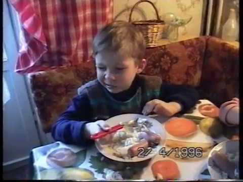 Дома  Коля, Лена и Юля Лебедева  2 04 1996