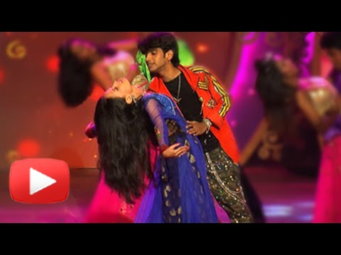 Ketaki Mategaonkar & Prathamesh Parab Perform At Zee Talkies Comedy Awards - Mala Ved Lagale