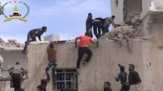 طفس: 23/3/2015 لحظة انتشال جثث الأطفال من تحت الانقاض .. حسبي الله ونعم الوكيل