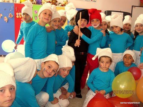 23 NİSAN GÖSTERİSİ Erdek Karşıyaka İlköğretim Okulu Anasınıfı Şirinler Partisi
