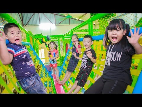 Xxx Mp4 Kids Go To School Chuns And Best Friends Competition King Games Ball House Children Toys City 3gp Sex