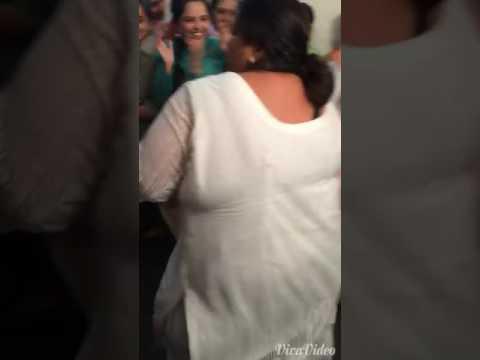 Break dance of moti aunty.... hahahaha