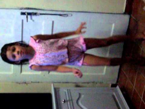 yasmin dançando pericles