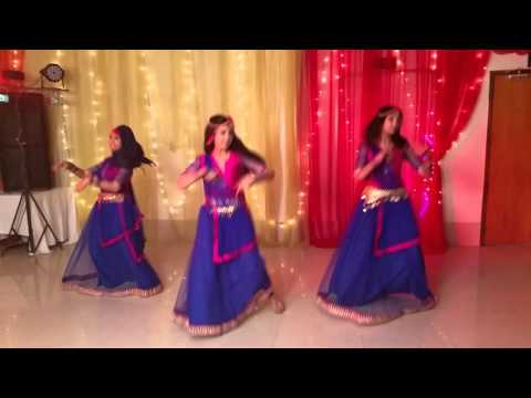 Dhol Baaje Dance (Ek Paheli Leela) by Munia-Alo-Deeba (MAD Group)