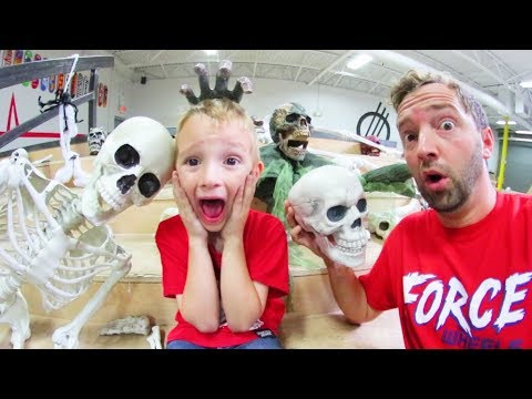 Father & Son MAKE A HAUNTED SKATEPARK