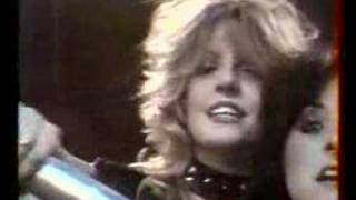 Girlschool - Don't Call It Love