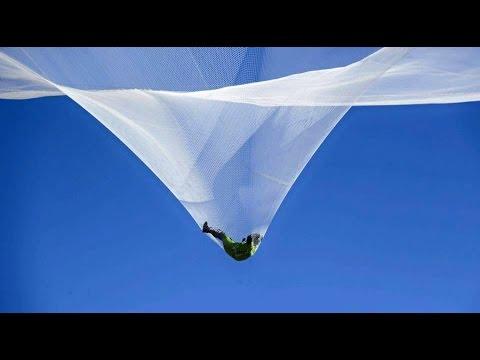 Heaven Sent: Skydiver Luke Aikins jumps 25000 feet without parachute
