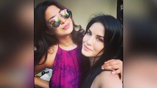 Priyanka Chopra, Sunny Leone's selfie goes viral | Filmibeat