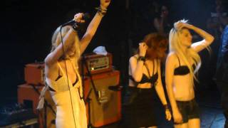 The Pretty Reckless - Goin' Down Live in Paris by Emii