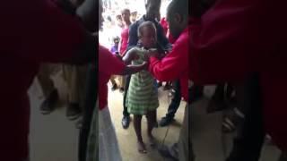 Le miracle du pasteur un enfant de 12ans avec un diable satan