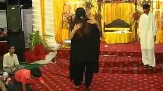Beautiful Mehndi Dance.flv