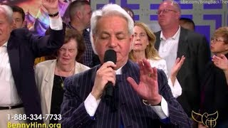 "Benny Hinn sings ""Glory To The Lamb"" and other Worship Songs"