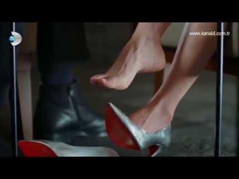 Canan Ergüder Güllerin Savaşı Turkish Celebrity Feet
