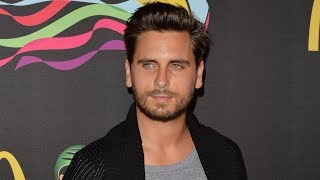 Scott Disick Caught Kissing A RANDOM Girl In A Las Vegas Club After Seeing Bella Thorne!