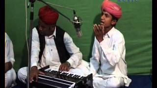MUJHRO RAJASTHANI FOLK SONG TALAB KHAN&PARTY LANGA