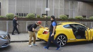 شاهد ردة فعل الأغنياء بعد رش سياراتهم الفاخرة ههه مقلب مضحك