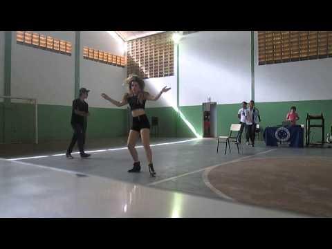 Campeonato de dança . 1° lugar menina dançando Run the World GIRLS Beyonce By Yasmin Holanda