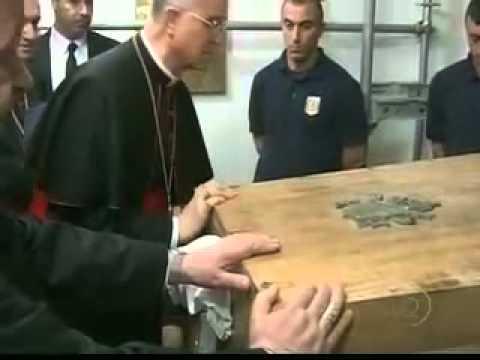 Papa João Paulo 2 é desenterrado