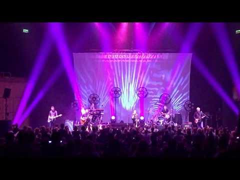 Belinda Carlisle Big Scary Animal-Live Your Life Be Free Royal Concert Hall Glasgow 09 10 2017
