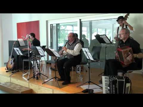 Clarinet Polka - momoll