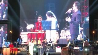 Asha Bhosle & Mika Singh Live in Concert.