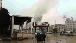 مدينة ادلب 28 3 2015 لحظة سقوط صاروخ سكود على الأحياء السكنية