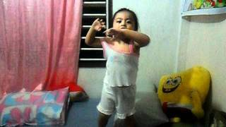 2 years old pauline dancing einee minee by justin bieber