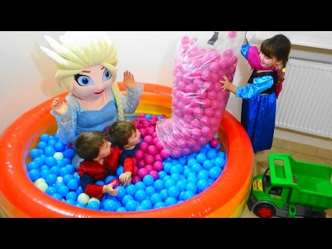 Xxx Mp4 Baby Toys Balls With Elsa And Kids Children Playing With Balls Video For Kids 3gp Sex