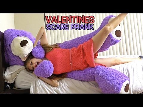 GIANT TEDDY BEAR SCARE PRANK ON GIRLFRIEND VALENTINES PRANK