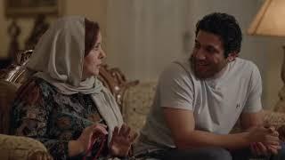 """لما يبقى مزاجك رايق وتقعد تهزر مع مامتك بليل  ... """" السفاح عمره ماهيقرب منك 😂😂 """" #حق_ميت"""