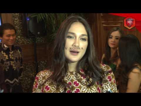 Xxx Mp4 CINTA WARISAN BUDAYA INDONESIA LUNA MAYA KOLEKSI BATIK 3gp Sex