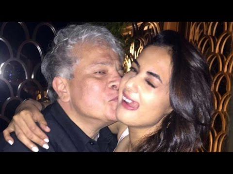Jannat Actress Sonal Chauhan In COZY Moment With Suhel Seth