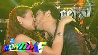 It's Showtime: Vice kisses Karylle on 'Showtime Kapamilya Day'
