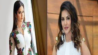 ये भी कर गई सनी लियोन...!   Sunny Leone Sings National Anthem At Pro Kabaddi League