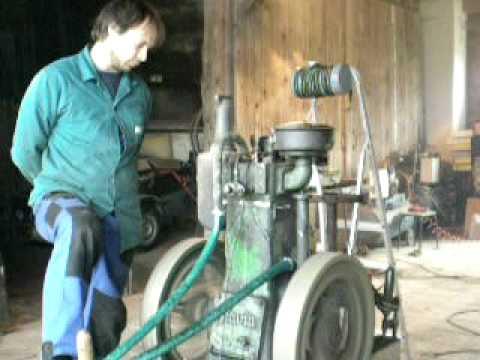 Úspěšn� test motoru SLAVIA diesel 5hp na živočišn� tuk