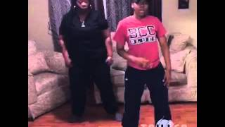 Mom and daughter dab on em big will