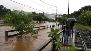 Chuva resulta em enchente - Itabirito/MG - Bairro São Geraldo (Vila Alegre) - 02/01/2011