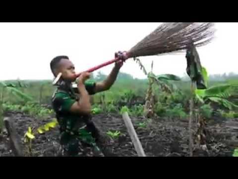 "Lucu TNI AD nyanyi lagu tipex ""salam rindu"""