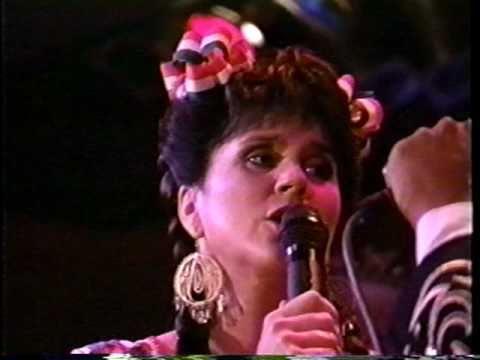 Linda Ronstadt El Crucifijo de Piedra Yo soy El Corrido