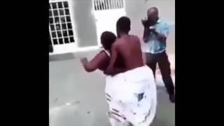 Mchepuko Wafumaniwa wakigandana uchi Gesti, jionee