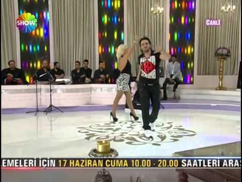 Ismail YK - Gülme Komşuna [Sabahın Sedasi] 2011 H.Q.