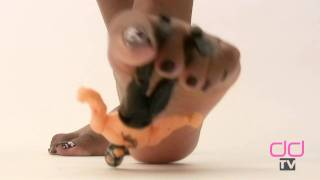 Darla TV - Giantess Ebony Feet Destroy Little Man