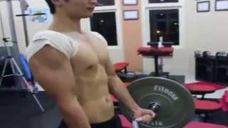 Latihan tangan dgn blood flow restriction training