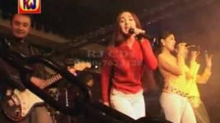 Three girls singing beautfully