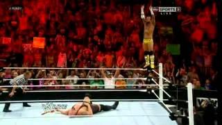 CM Punk vs Big Show - WWE RAW 07/16/12 - (HQ)