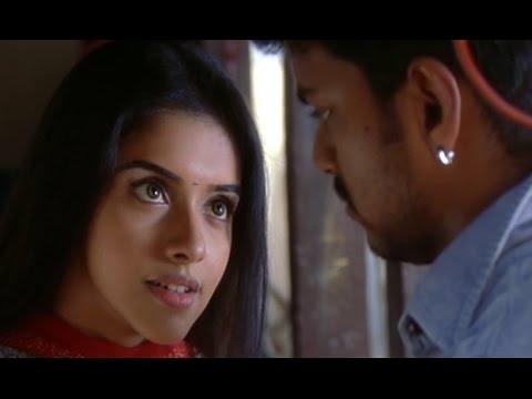 Asin demands for a Kiss from Vijay   Sivakasi