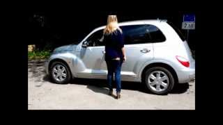 Pedalpumping Chrysler PT Cruiser with grey Pumps and Nylons