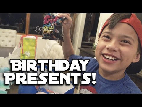 OPENING BIRTHDAY PRESENTS Hyper Toss & Candy Unboxing