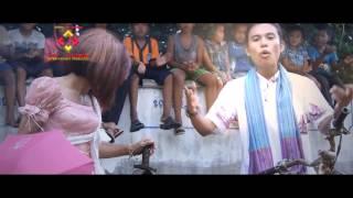 បទ៖ កម្លោះឣាចារ្យញ៉ែយាយខ្លាមុខCuteច្រៀង: យាយខ្លា & អាចារ្យធំ (Ajathom & Yeay khla)